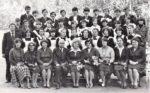 На групповом снимке среди коллег и учащихся Г.А. Одинцов во втором ряду крайний слева. Фотоальбом «48-й выпуск учеников школы № 1». 1984. Ф.140.Оп.3.Д.15.Л.5