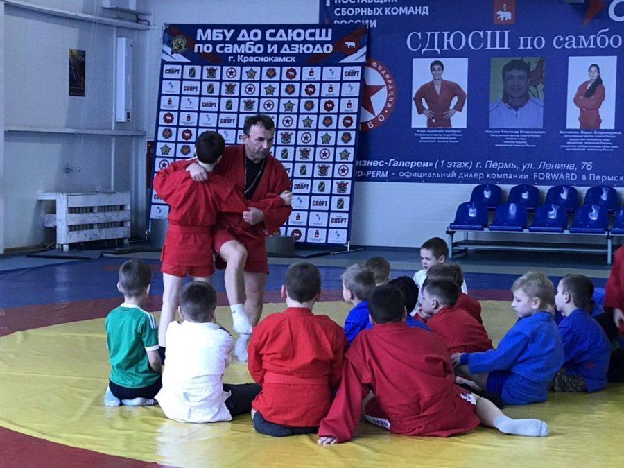 Фадеев А.Н. на тренировке. Источник: www.krasnokamsk-sambo.ru