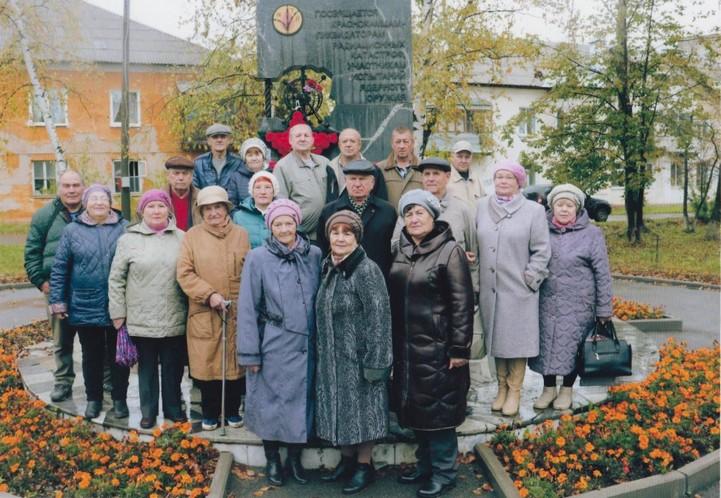 У мемориала Краснокамцам-ликвидаторам радиационных катастроф. Фото из личного архива Болдырева А. Г