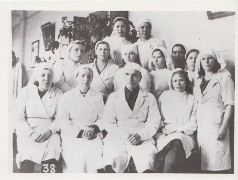 Групповой снимок медперсонала эвакогоспиталя, 1941 г. Ф.140.Оп.1.Д.34