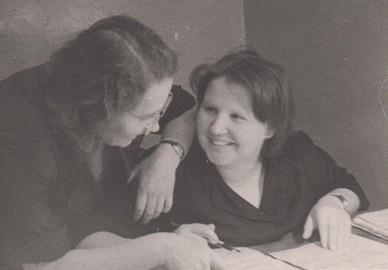 """Некрасова И.Т. (справа) с работниками редакции газеты """"Краснокамская звезда"""" 1966 г. Ф.102.Оп.5.Д.22"""